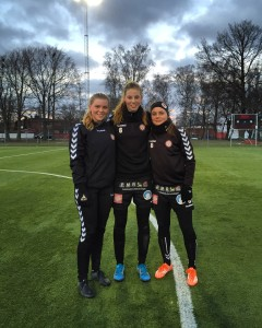 Landslagstjejer till La Manga. Sofia Hagman, Amanda Edgren och Alice Nilsson.